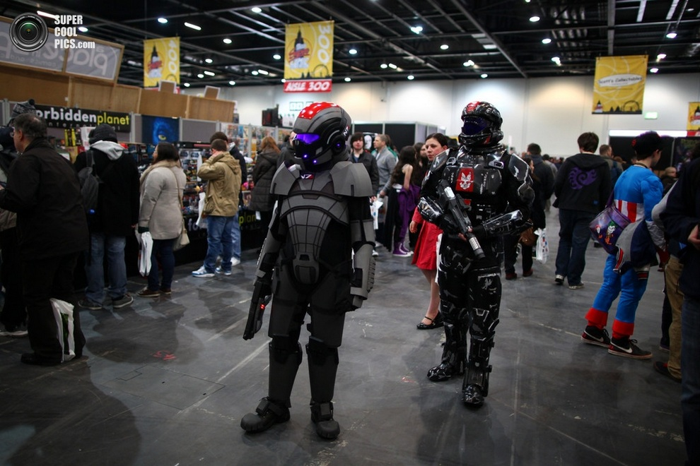 London Super Comic Convention 2013 в лицах (14 фото)