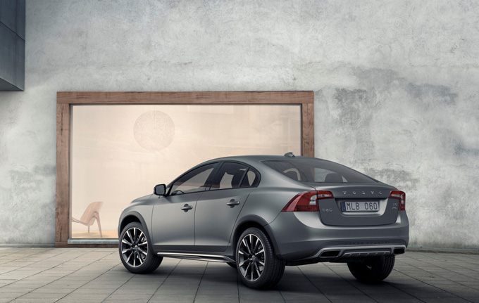 Volvo S60 Cross Country 2016 (6 фото)